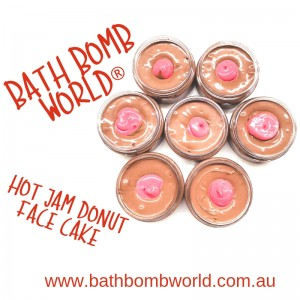 Bath Bomb World® Hot Jam Donut Face Cake Kit - Coming soon